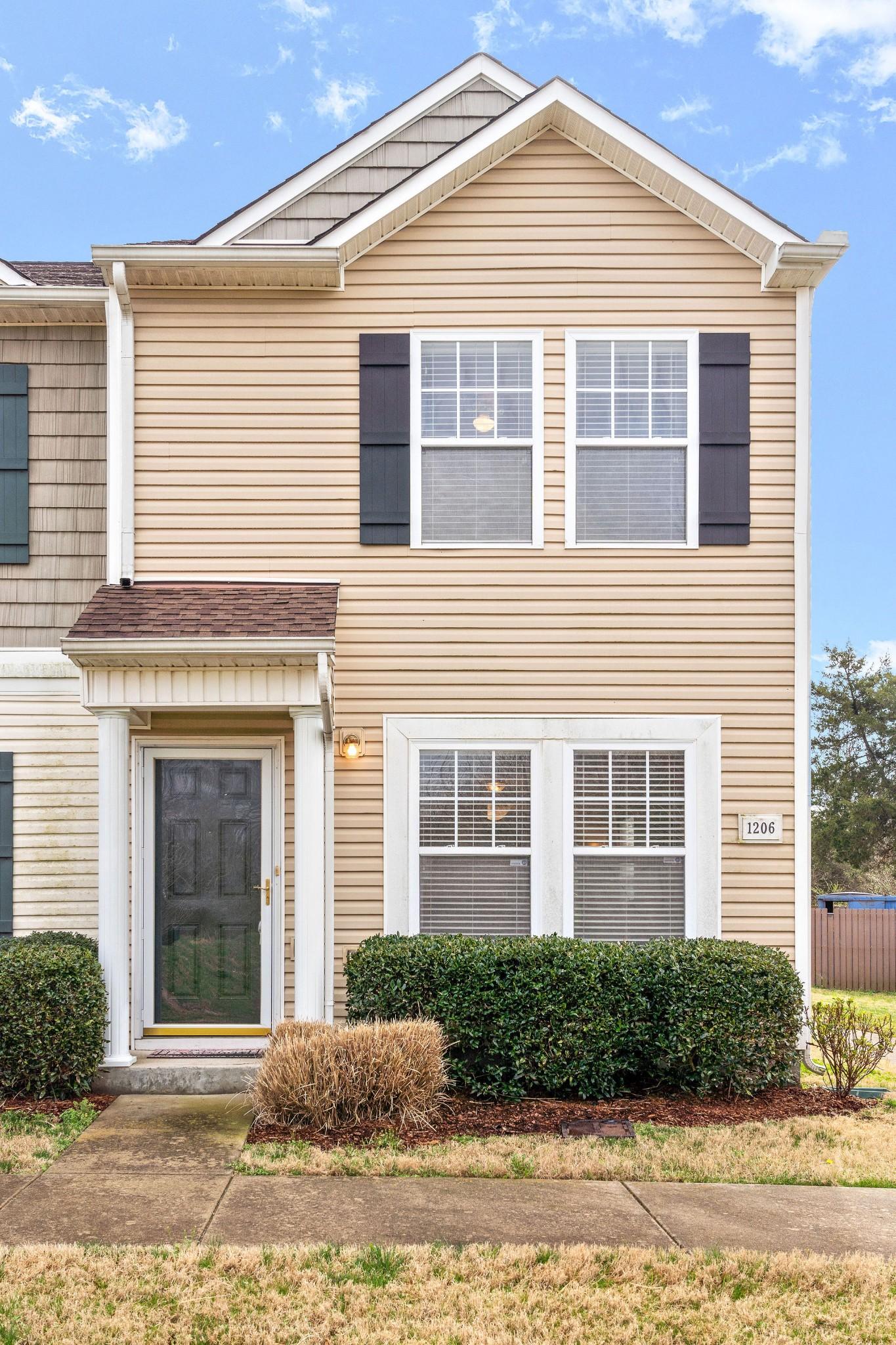 1206 Parkstone Ln Property Photo - Antioch, TN real estate listing