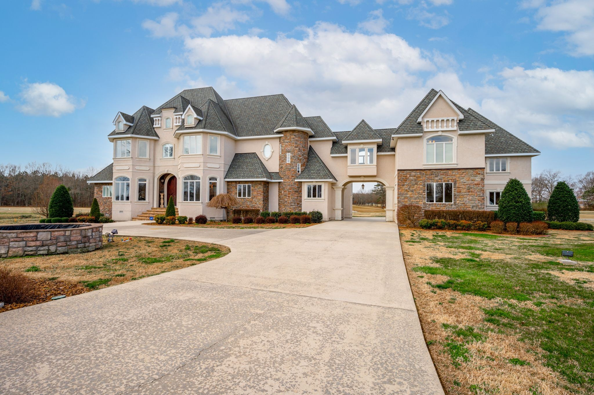 554 Willow Brook Drive Property Photo - Manchester, TN real estate listing