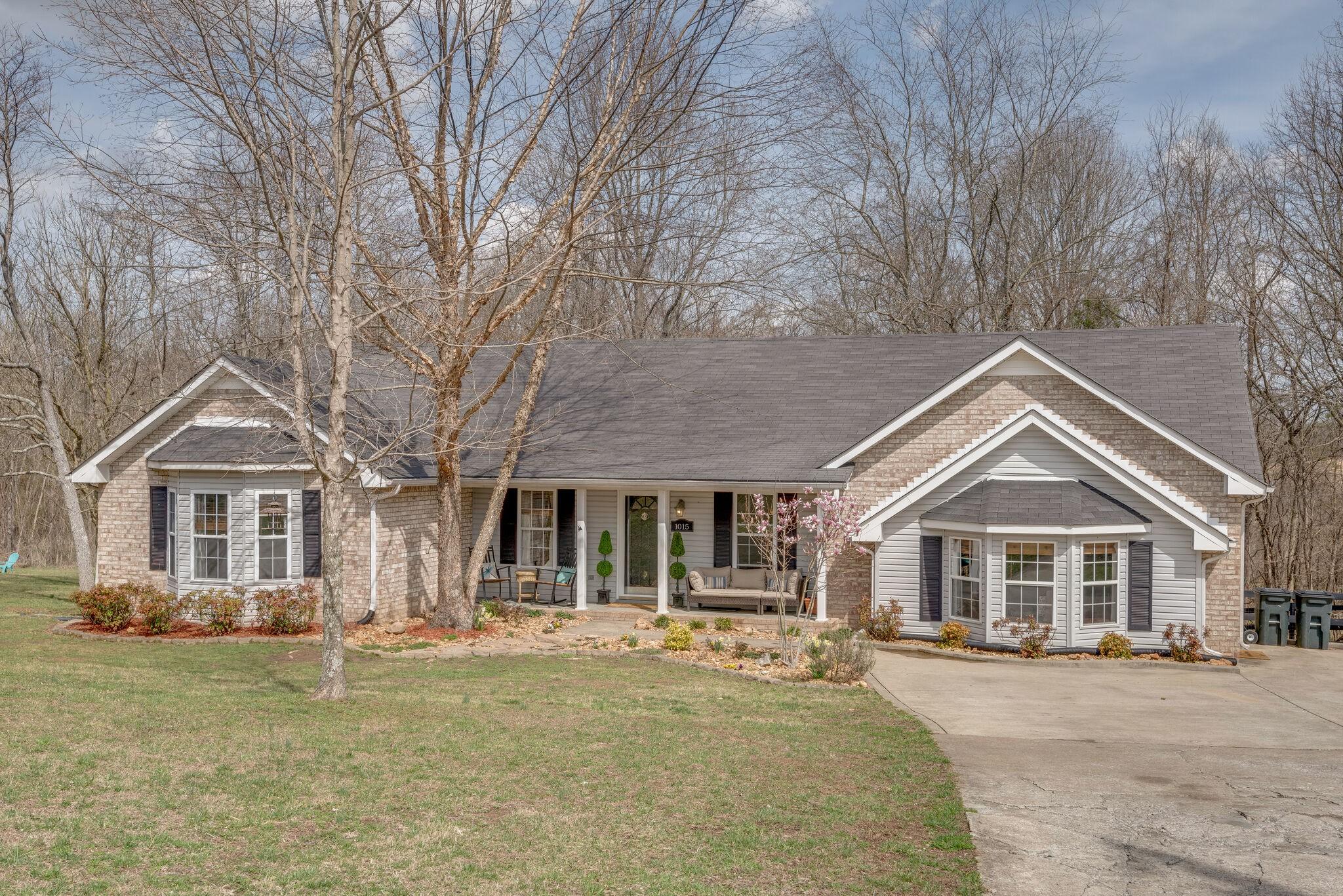 B Junior Hills Real Estate Listings Main Image