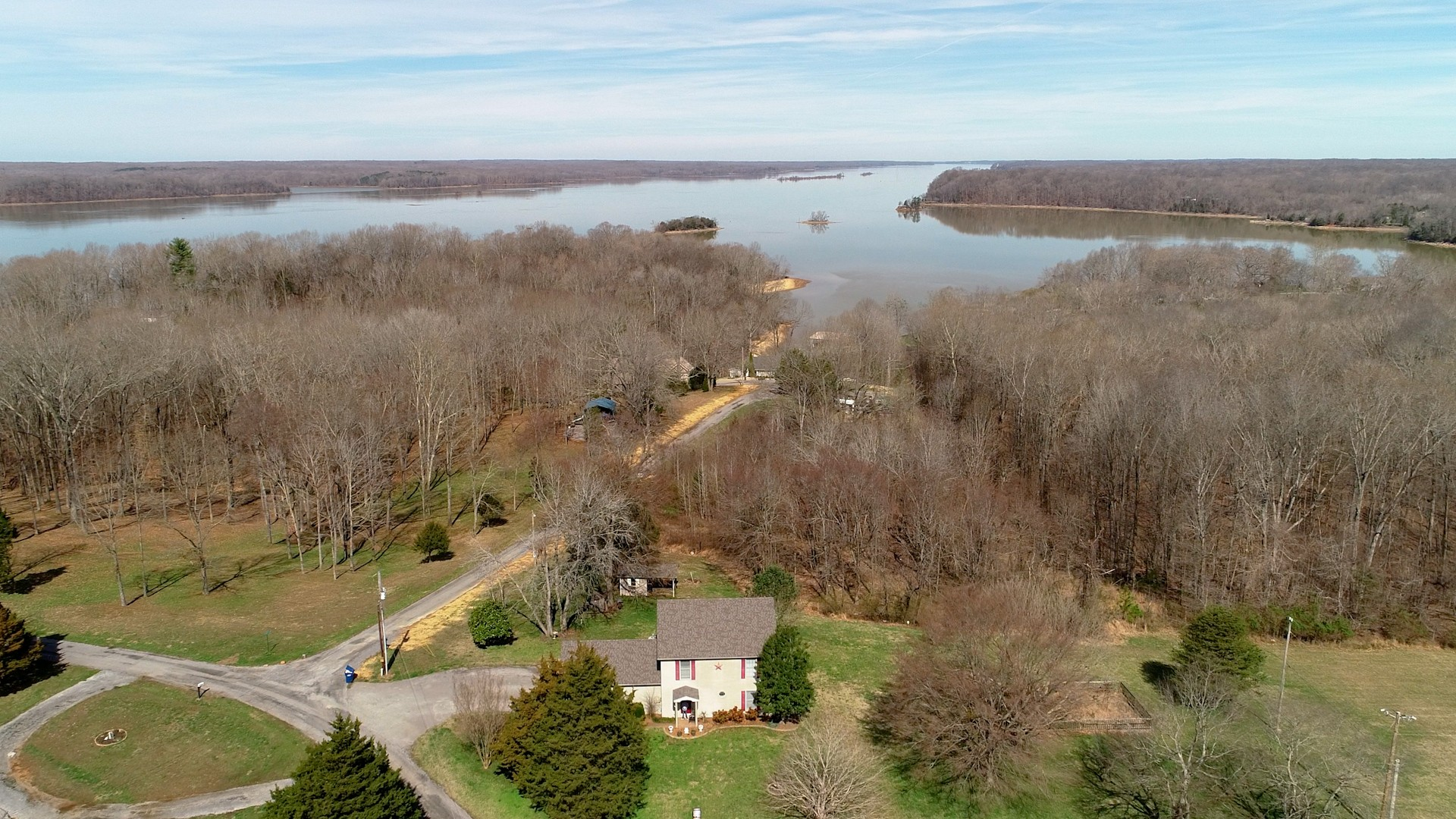 10 Cherokee Dr Property Photo - Cadiz, KY real estate listing