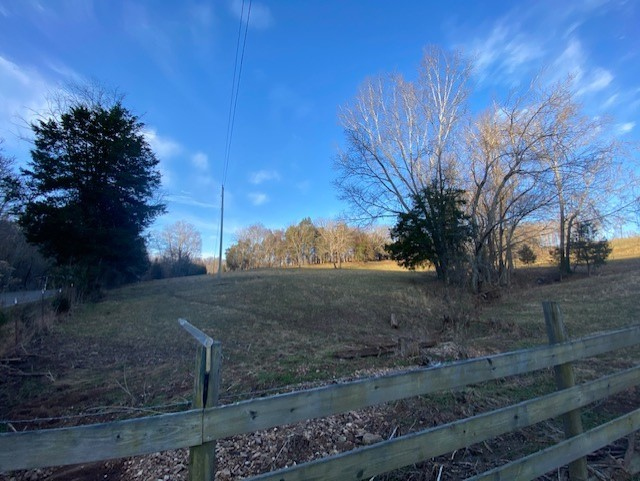 1551 Buck Smith Rd Property Photo - Palmyra, TN real estate listing