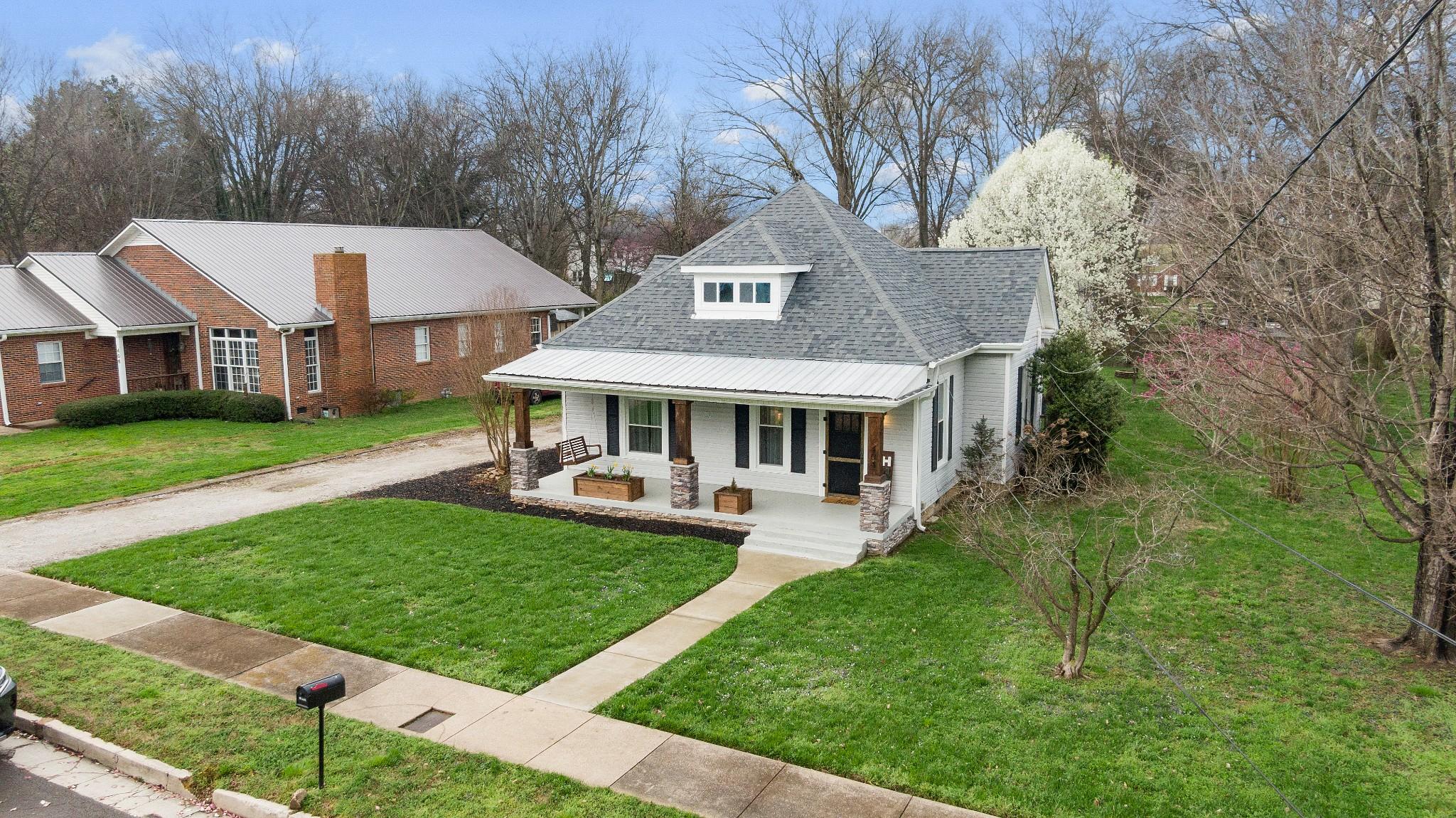 404 Washington Ave Property Photo - Mount Pleasant, TN real estate listing
