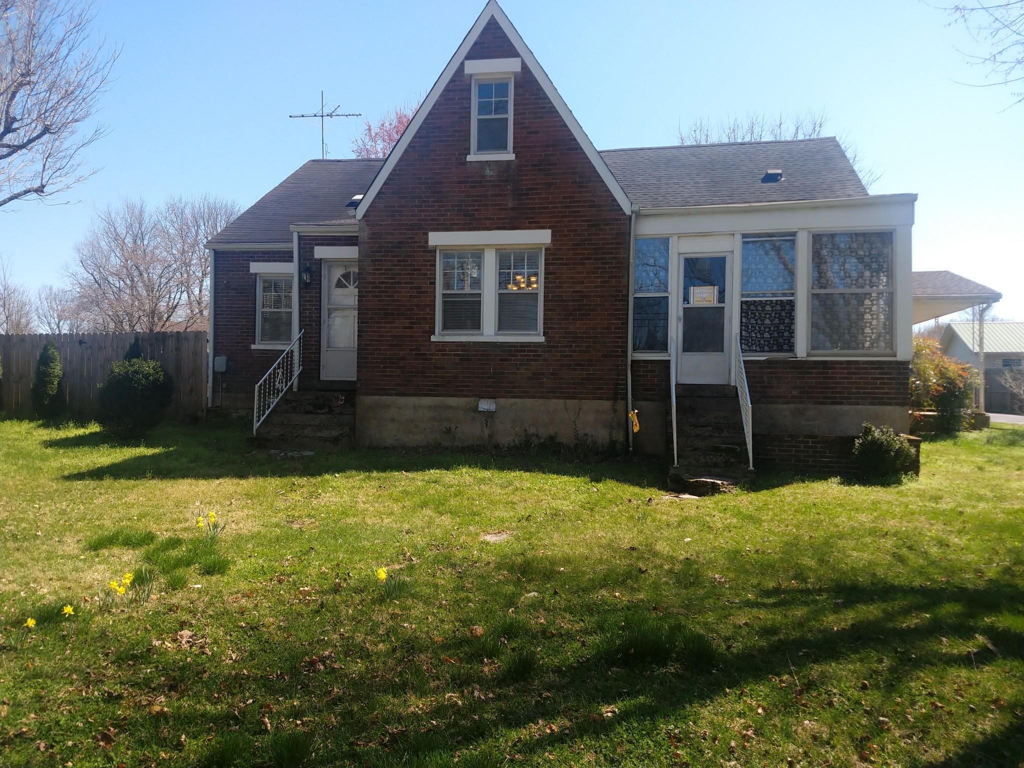 306 Main St Property Photo - Lafayette, TN real estate listing