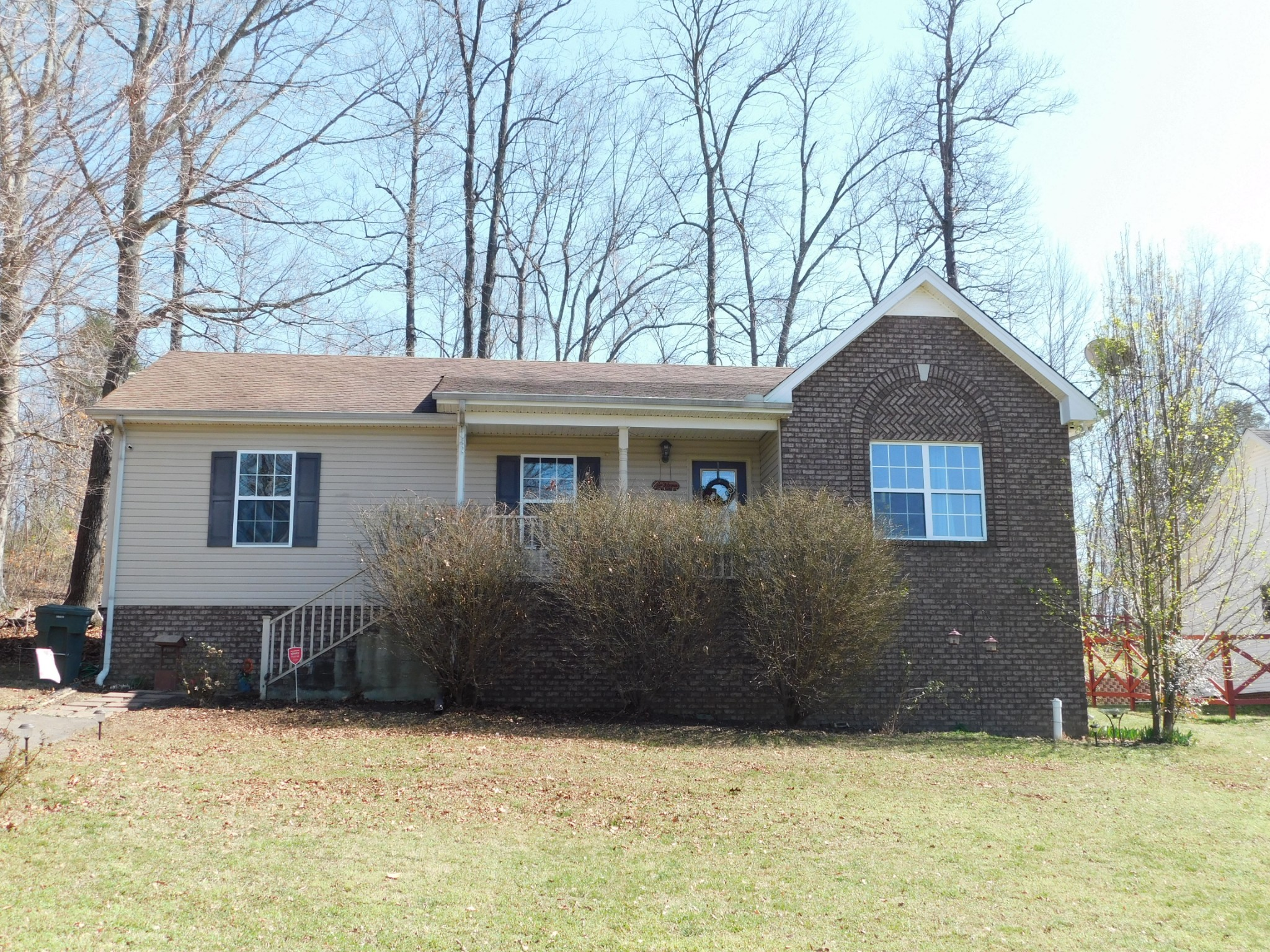 810 Red Hollow Dr Property Photo - Springfield, TN real estate listing