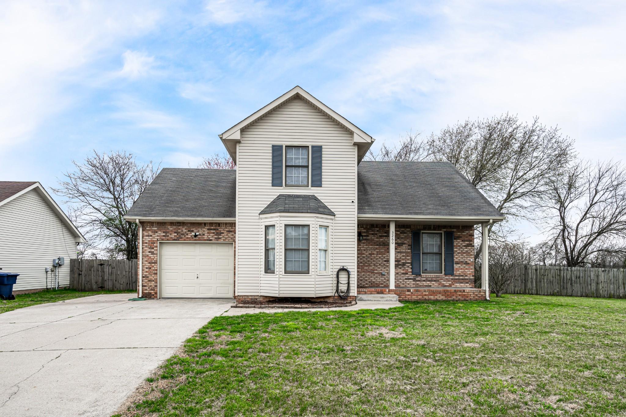 3260 S Senseney Cir Property Photo - Clarksville, TN real estate listing