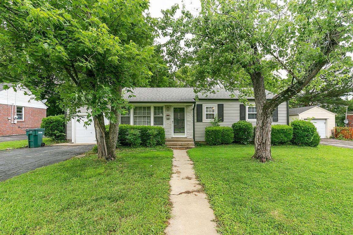 605 Wagoner St Property Photo - Lebanon, TN real estate listing