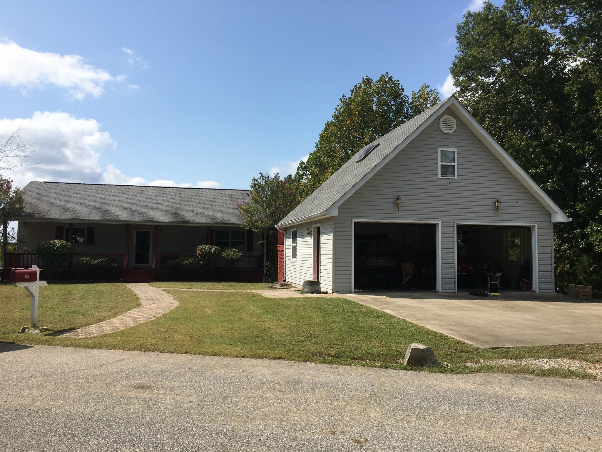 892 Whitley Way Property Photo - Eddyville, KY real estate listing