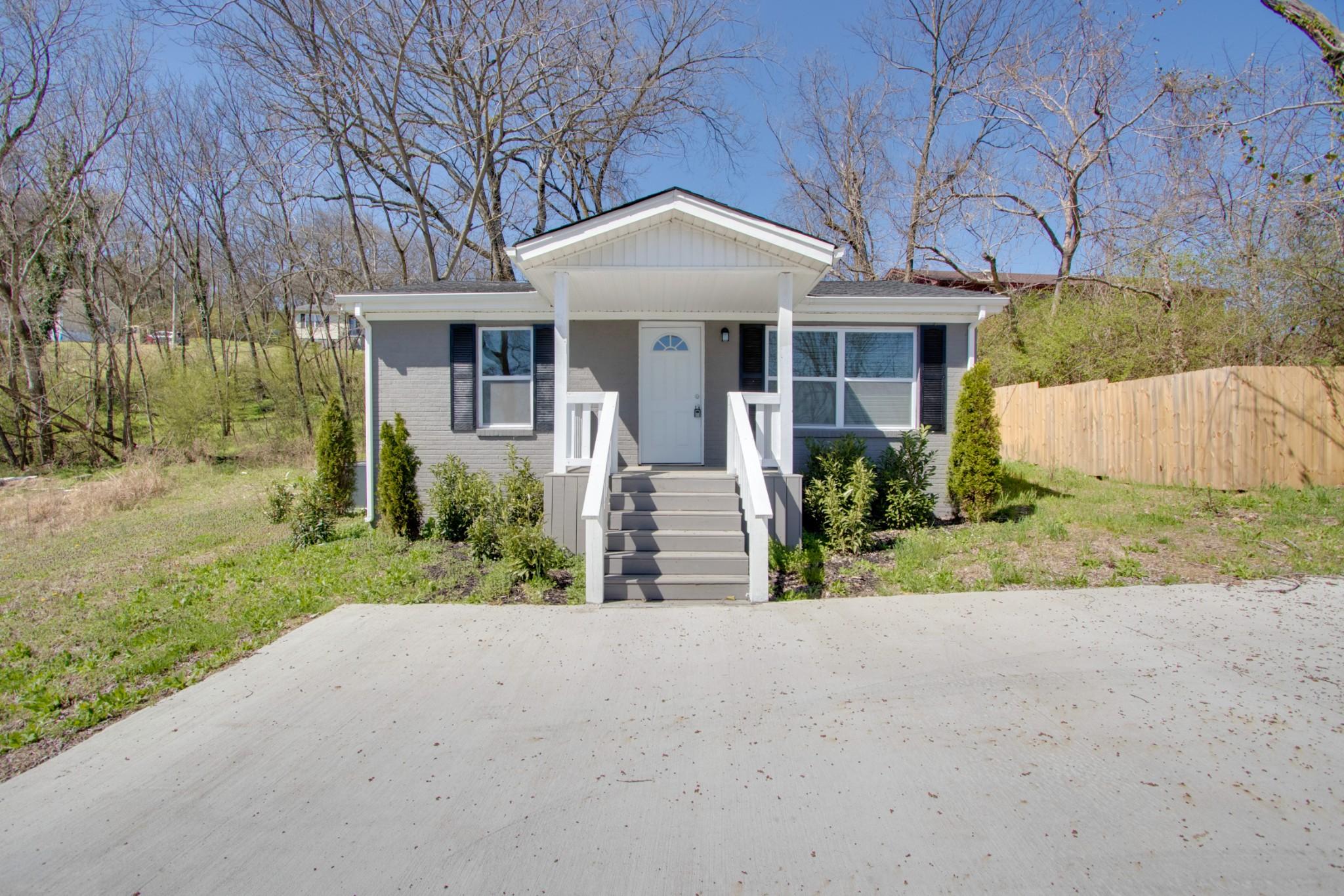 223 W Main St Property Photo - Hartsville, TN real estate listing
