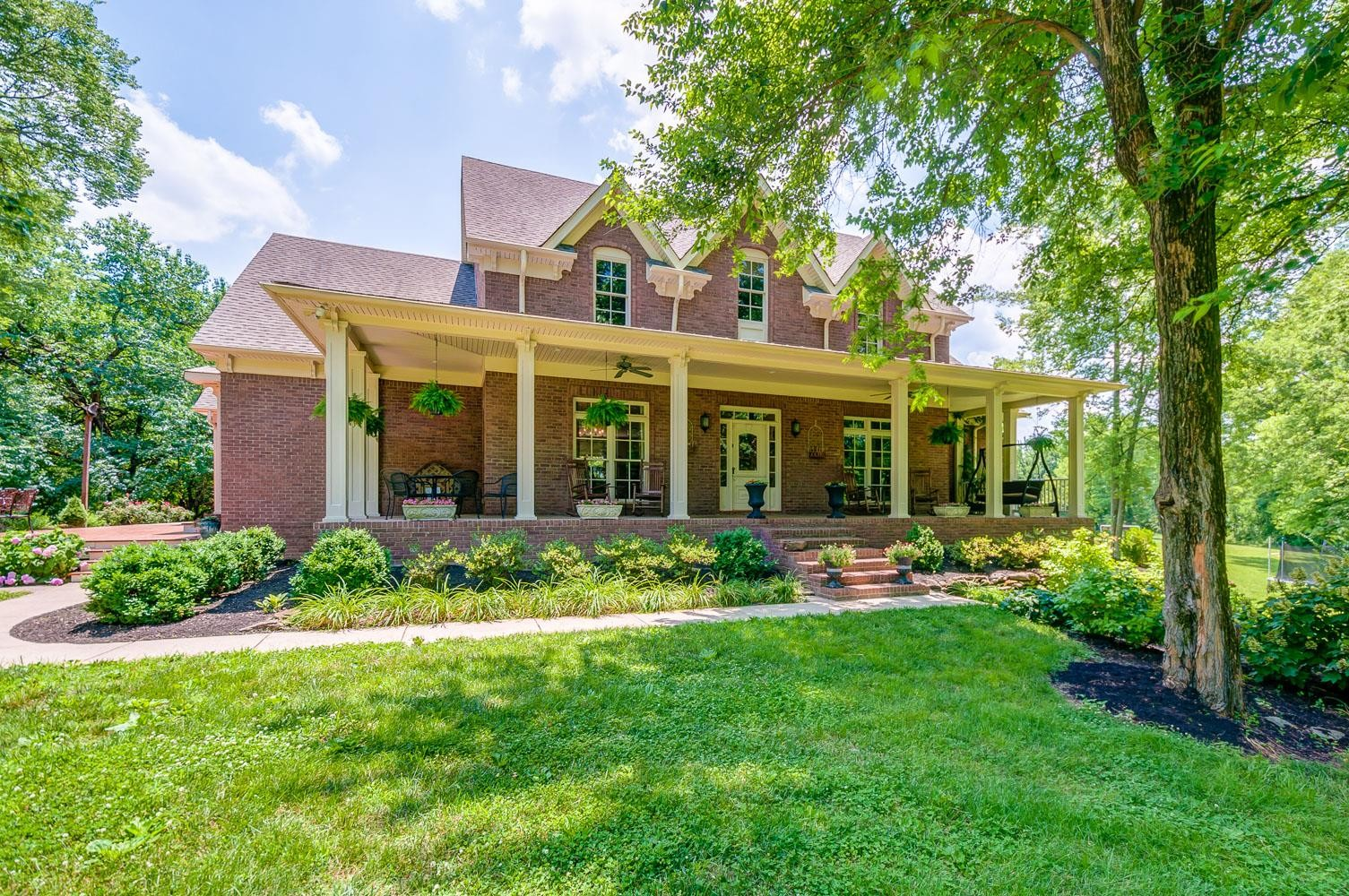5610 Pigeon Forge Ln Property Photo - Thompsons Station, TN real estate listing