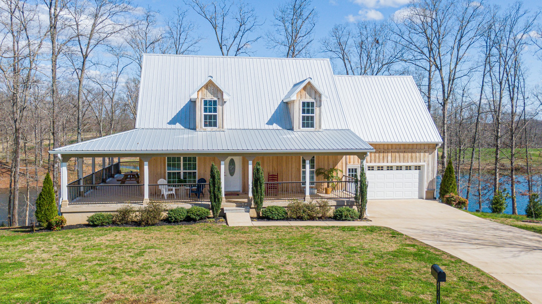 130 Lakeview Dr Property Photo - Summertown, TN real estate listing