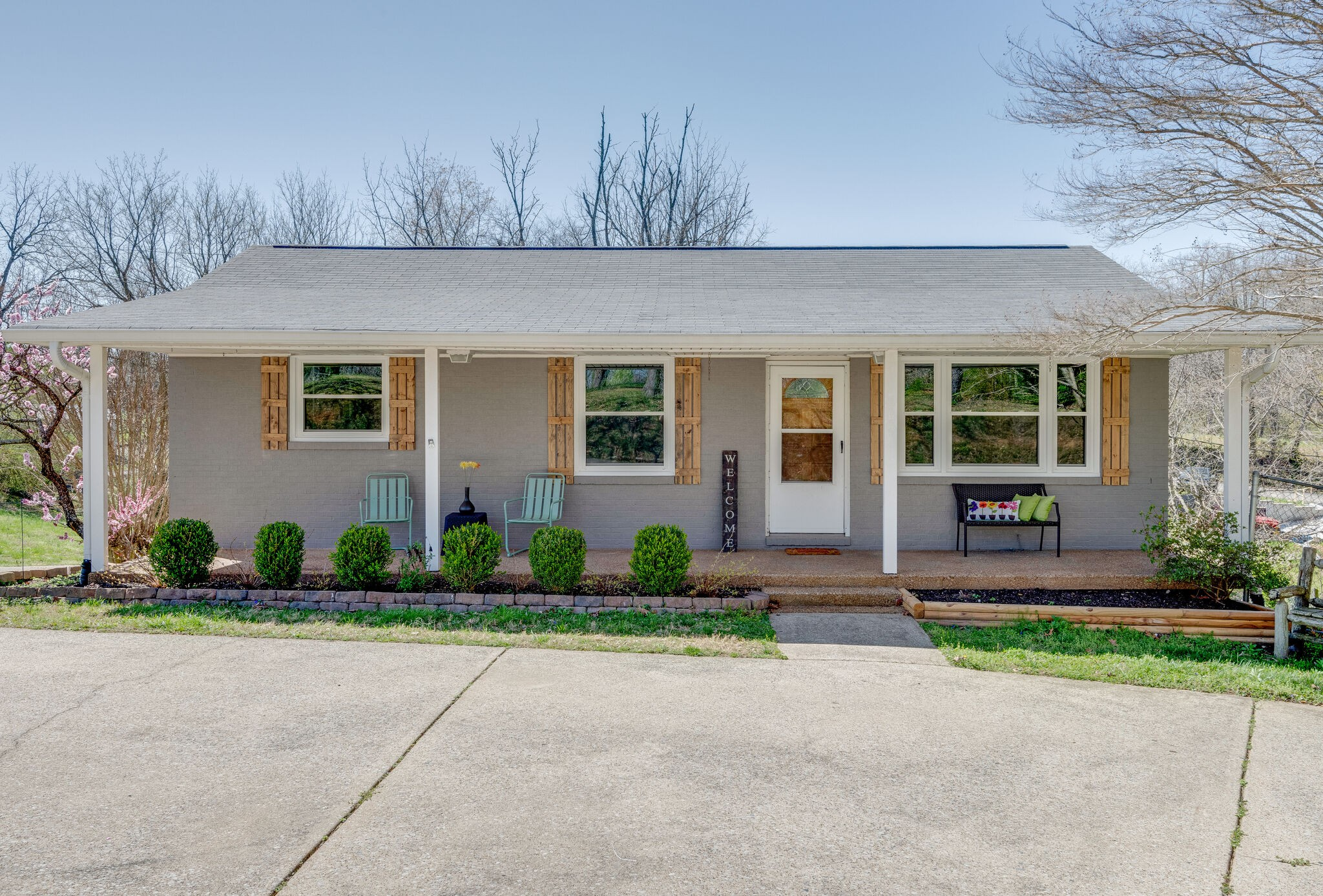 1109 Taylor Town Rd Property Photo - White Bluff, TN real estate listing