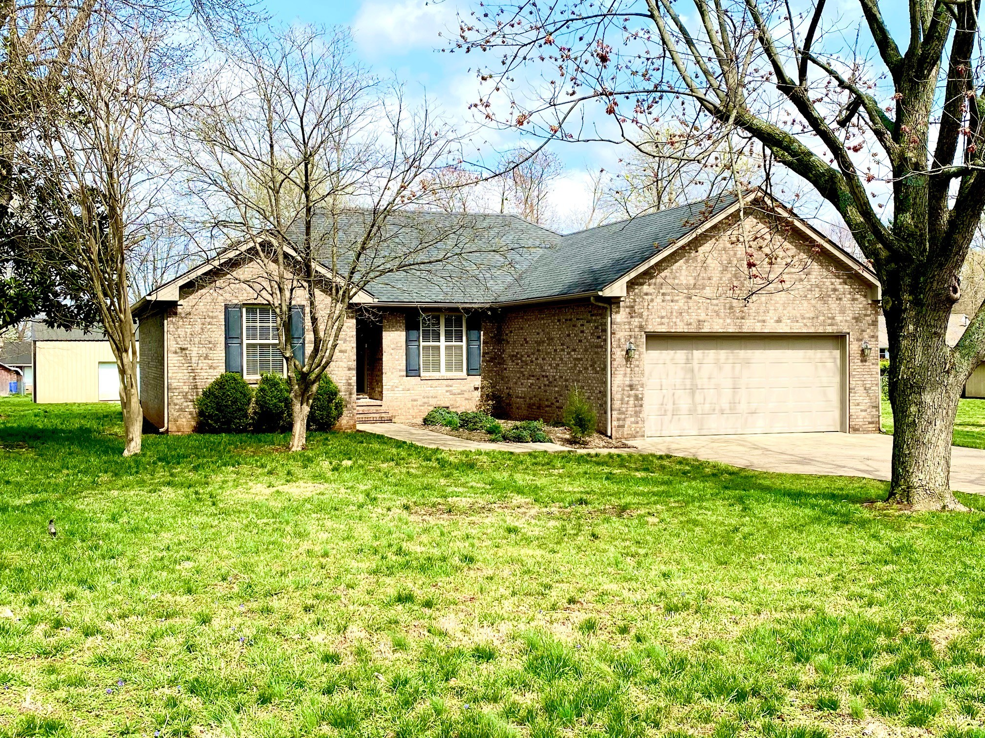 418 Longview Dr Property Photo - Franklin, KY real estate listing