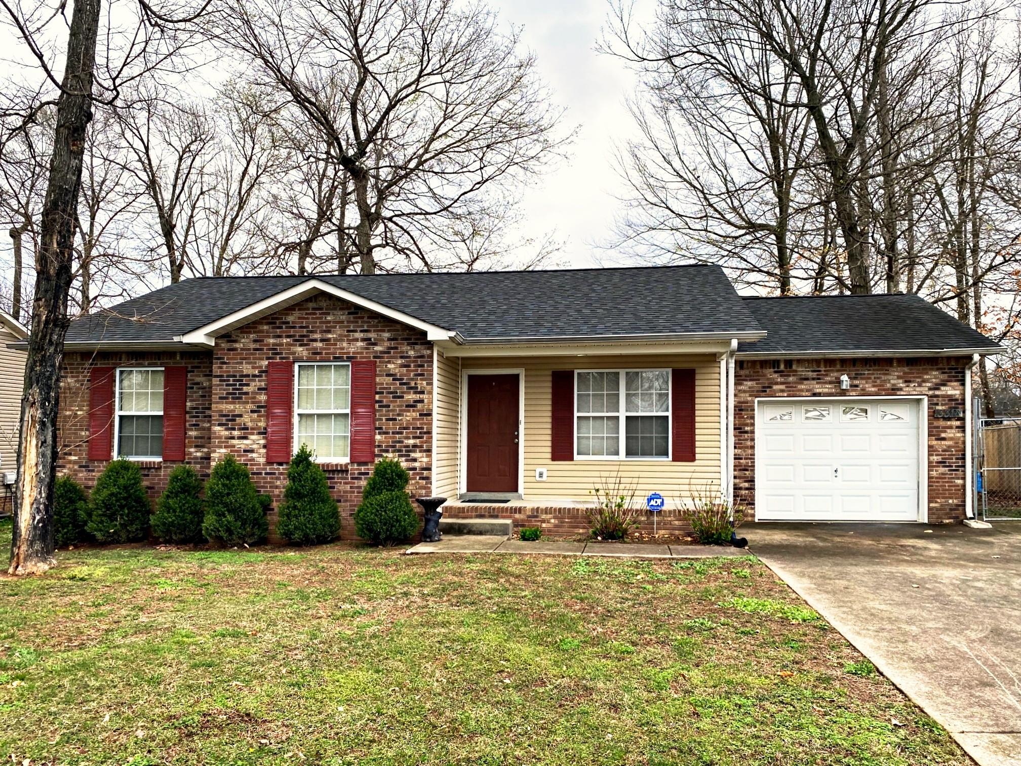 3318 S Senseney Cir Property Photo - Clarksville, TN real estate listing