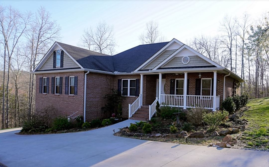 314 Ginger Dr Property Photo - Dover, TN real estate listing