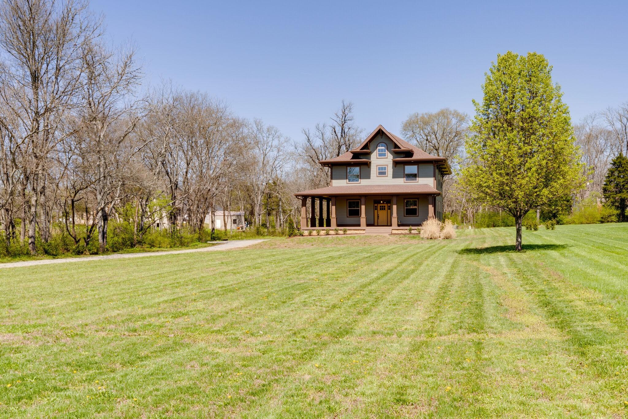 1200 25w Hwy Property Photo
