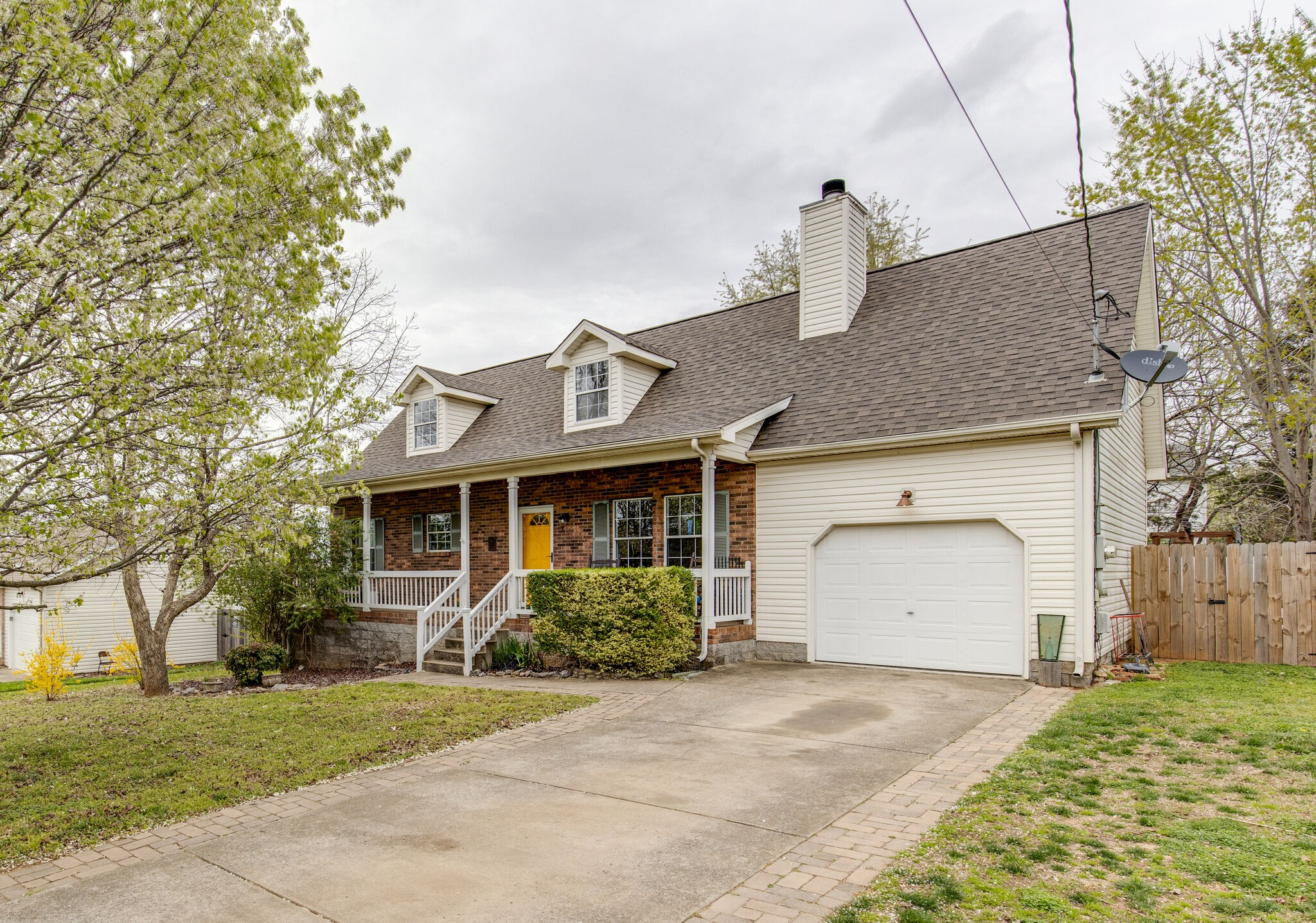 937 Tal Ln Property Photo - LA VERGNE, TN real estate listing