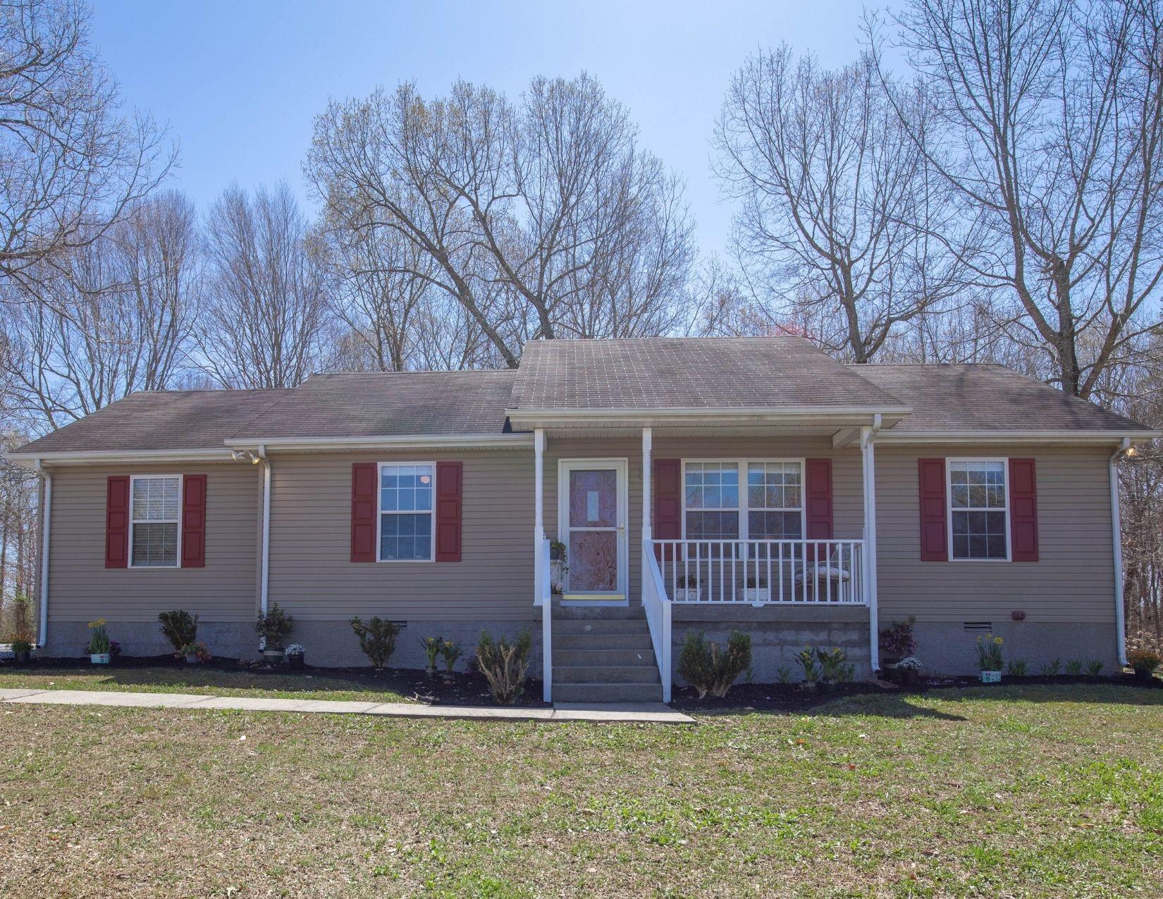 2006 Ruby Travis Dr Property Photo - Chapmansboro, TN real estate listing