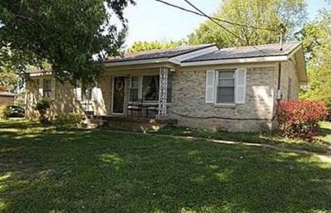 2222 Trotwood Dr Property Photo