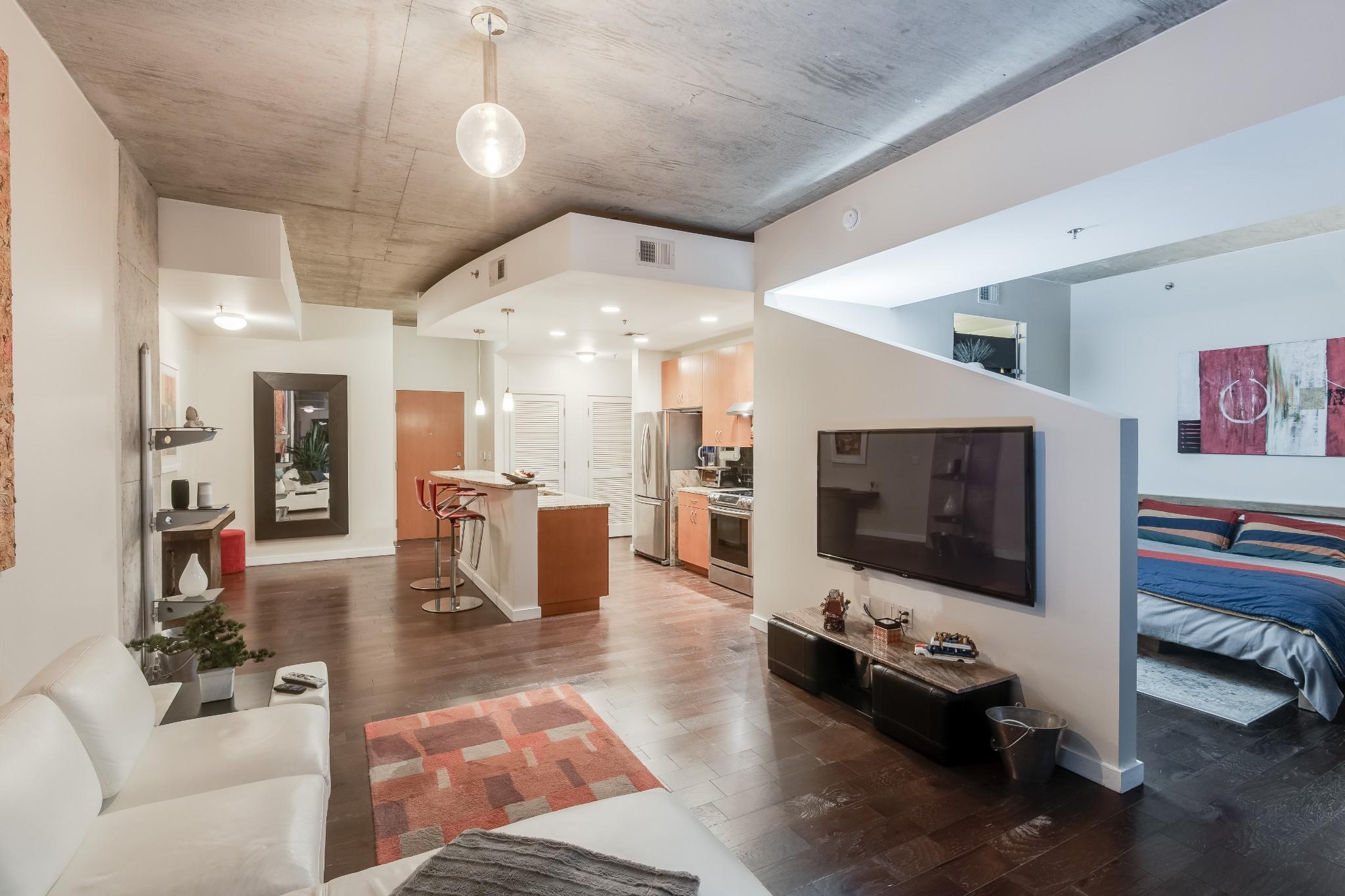 301 Demonbreun St, Unit 1015 Property Photo - Nashville, TN real estate listing
