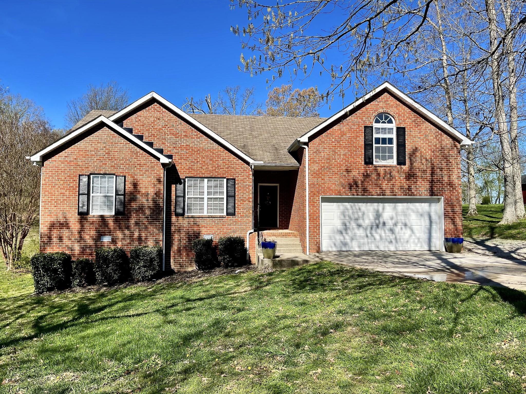 117 Lena Loop Property Photo - Burns, TN real estate listing