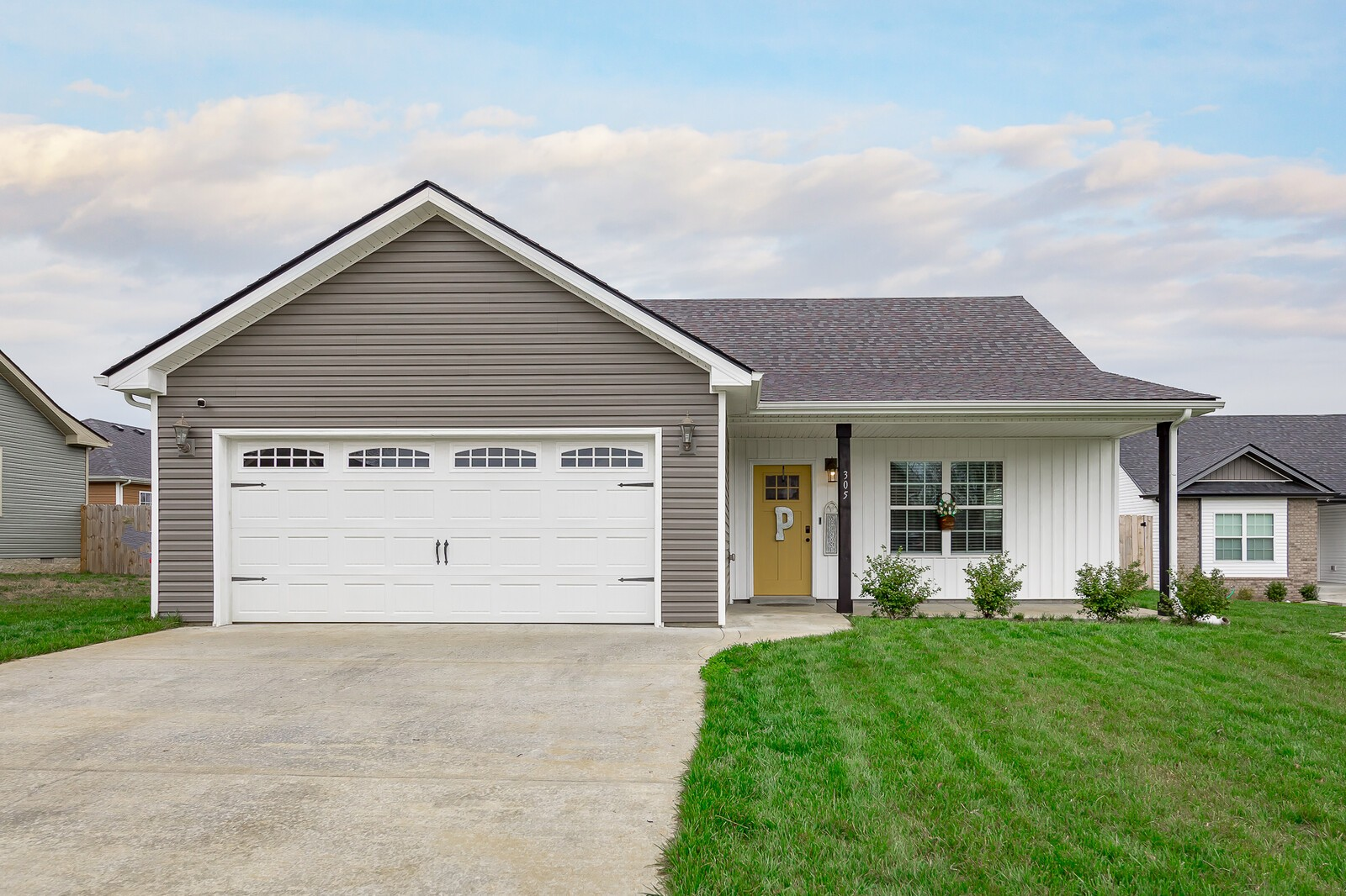 305 Liberty Bell Ln Property Photo - Clarksville, TN real estate listing