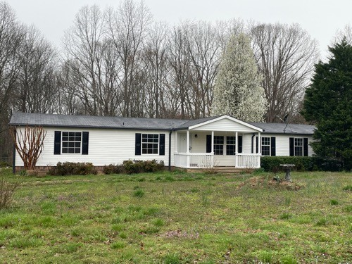 9792 S Lick Creek Rd Property Photo - Lyles, TN real estate listing