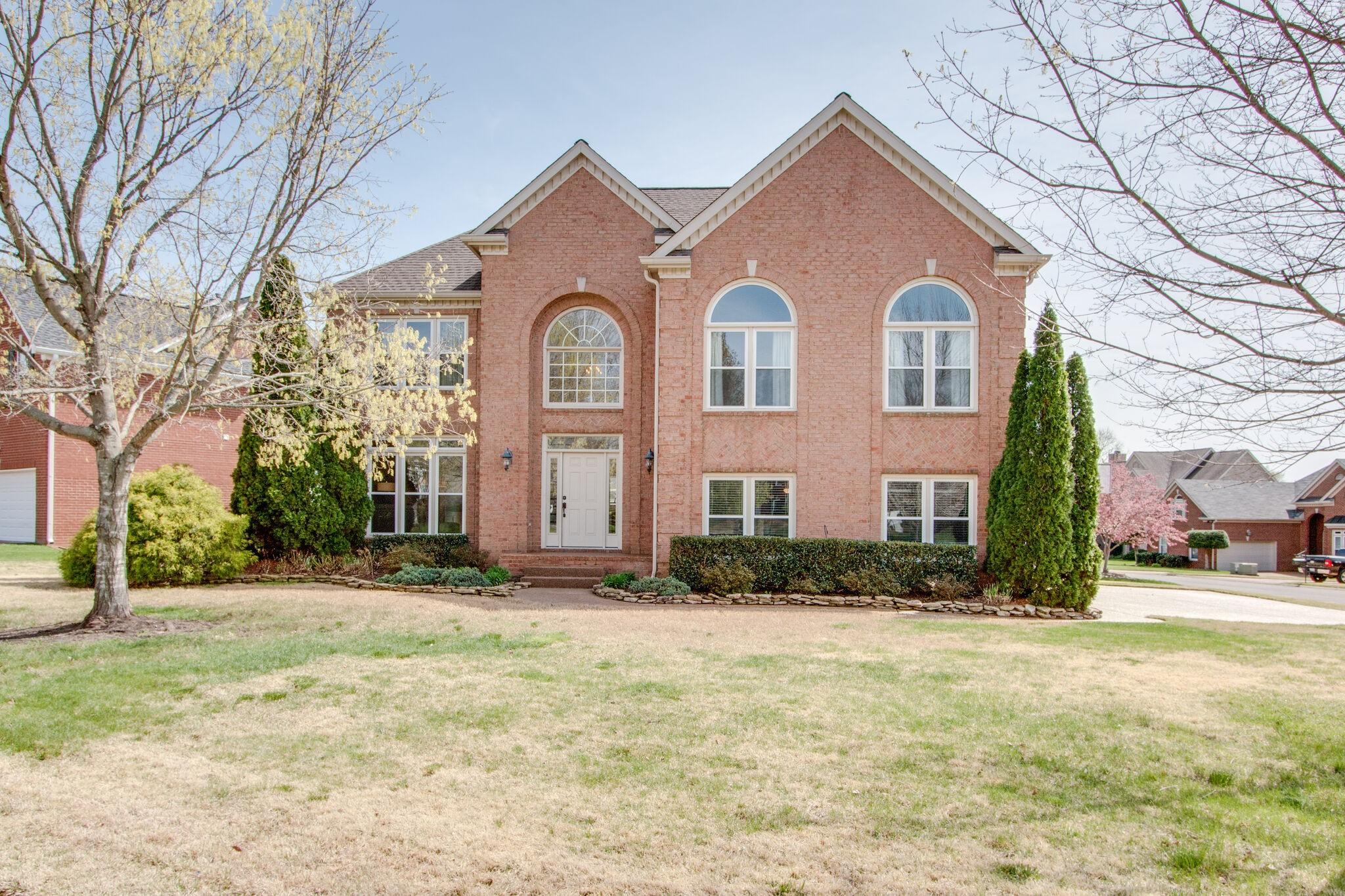 612 Hampton Ct Property Photo - Franklin, TN real estate listing