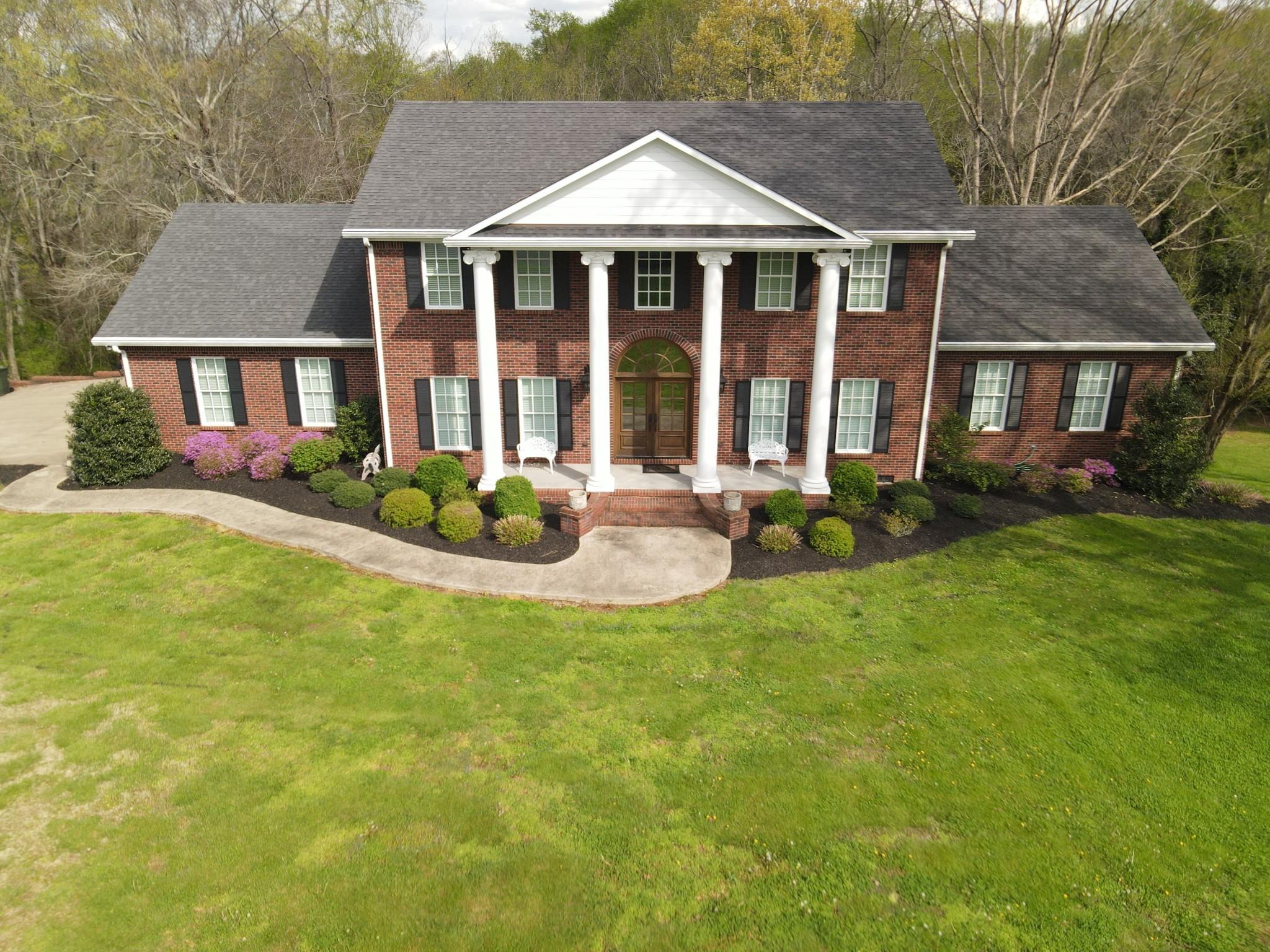 1192 Austin Cir Property Photo - Lawrenceburg, TN real estate listing