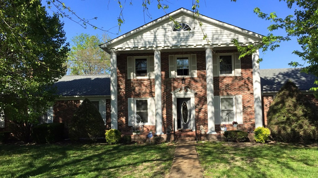 526 Golf Club Dr Property Photo - Smithville, TN real estate listing