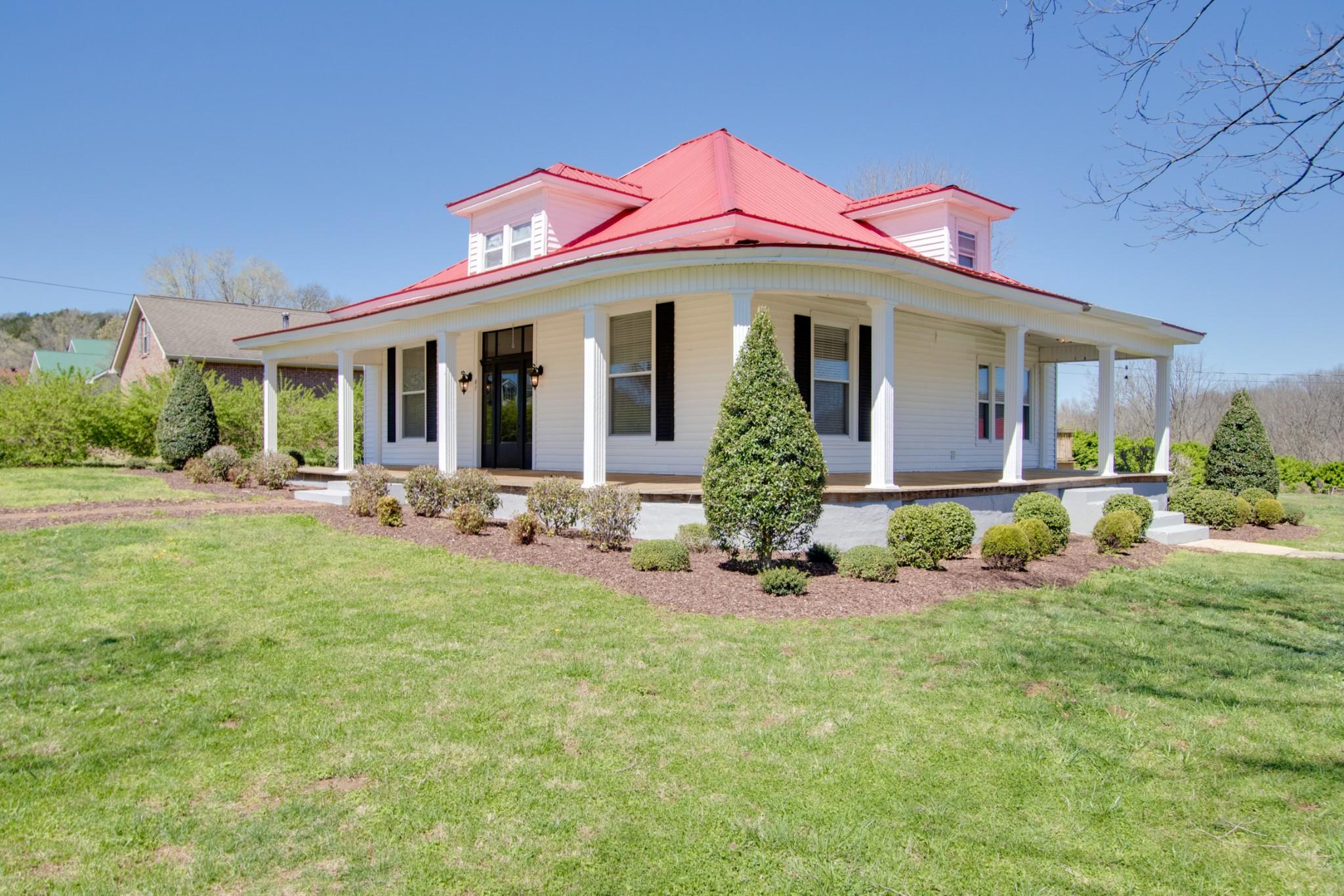 87 Main St E Property Photo - Gordonsville, TN real estate listing