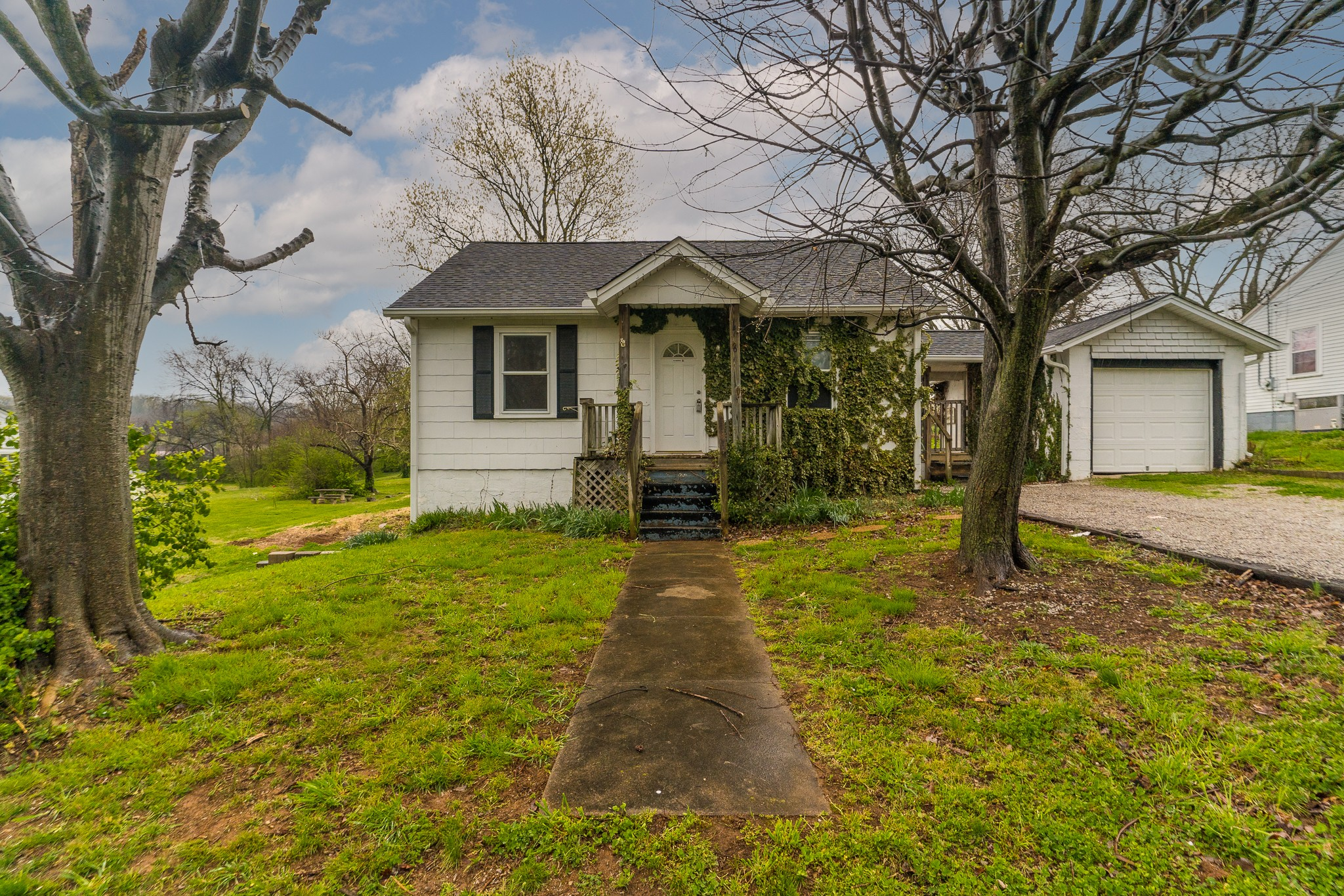406 Green Acres Dr Property Photo - Columbia, TN real estate listing