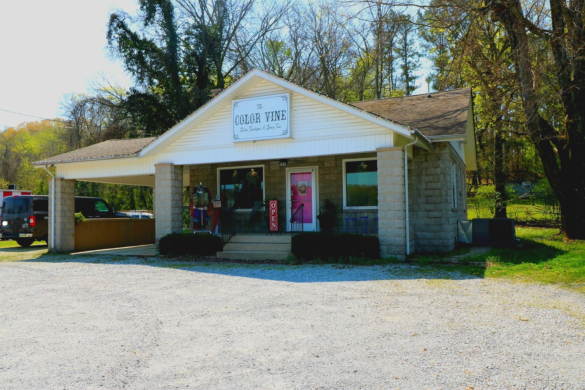 312 W Main St Property Photo