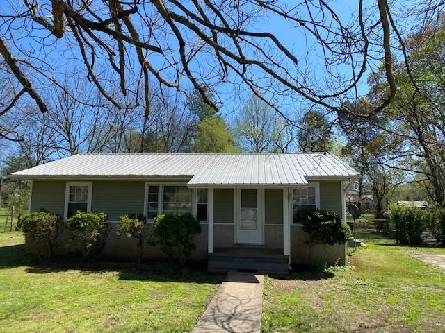 108 Thorogood St Property Photo - Cowan, TN real estate listing