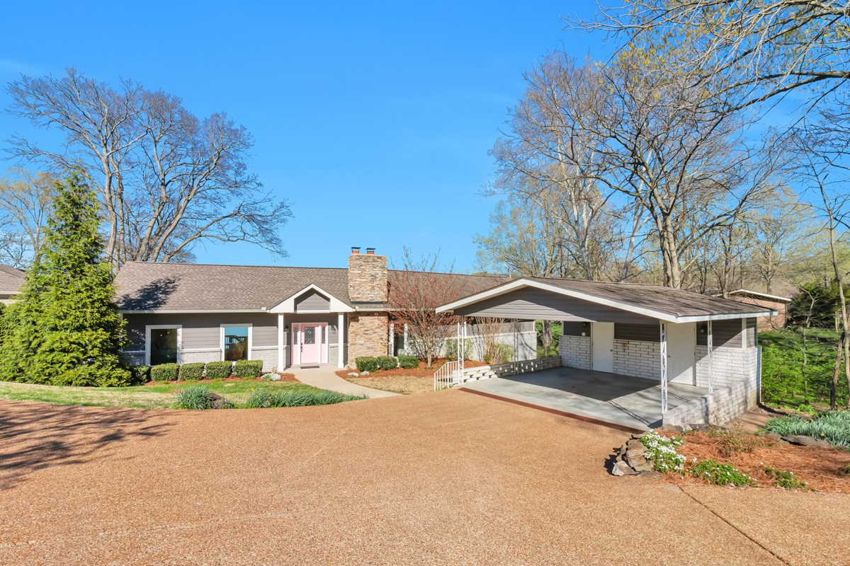 728 General Kershaw Dr Property Photo - Old Hickory, TN real estate listing