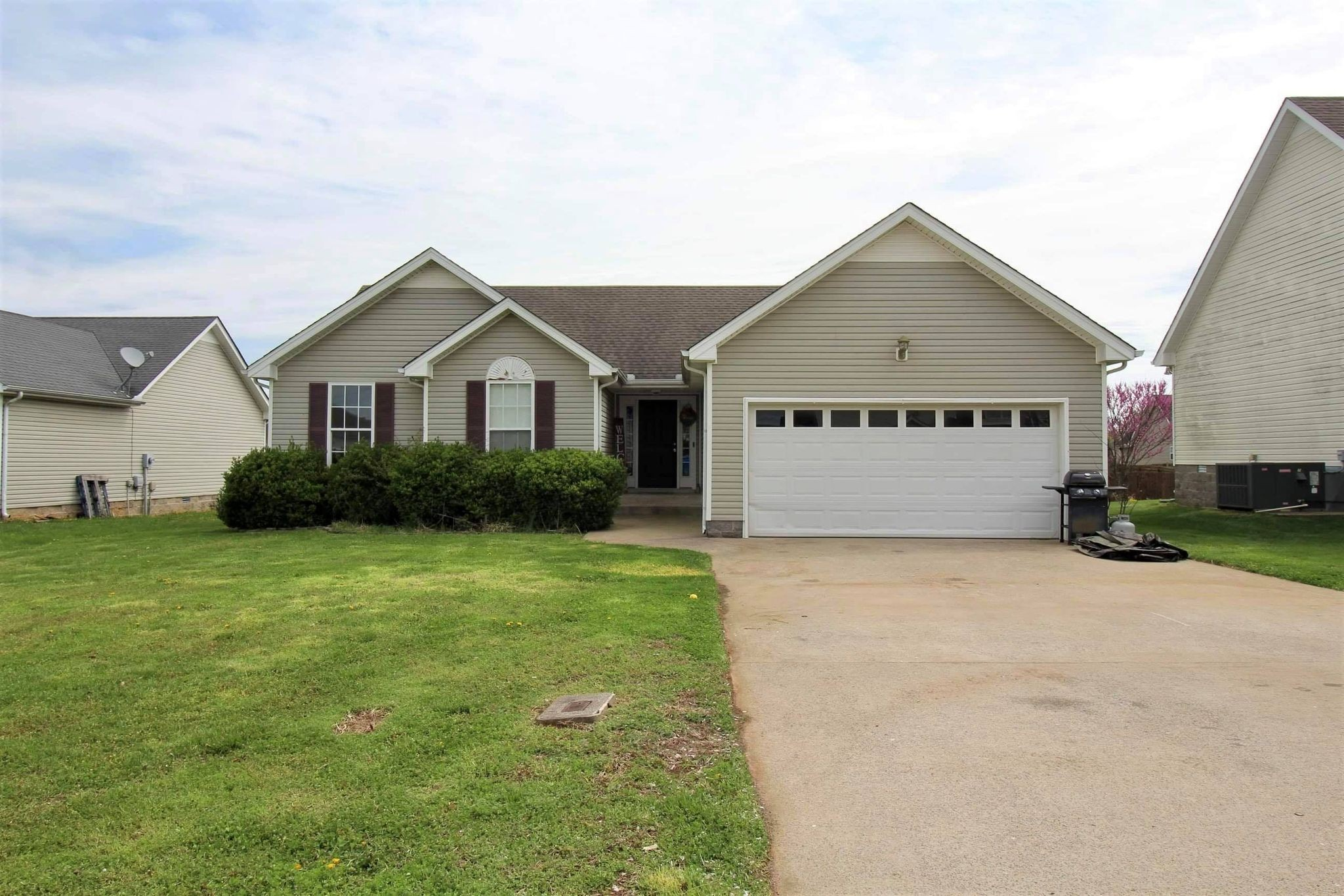 3785 Naples Ct N Property Photo - Clarksville, TN real estate listing