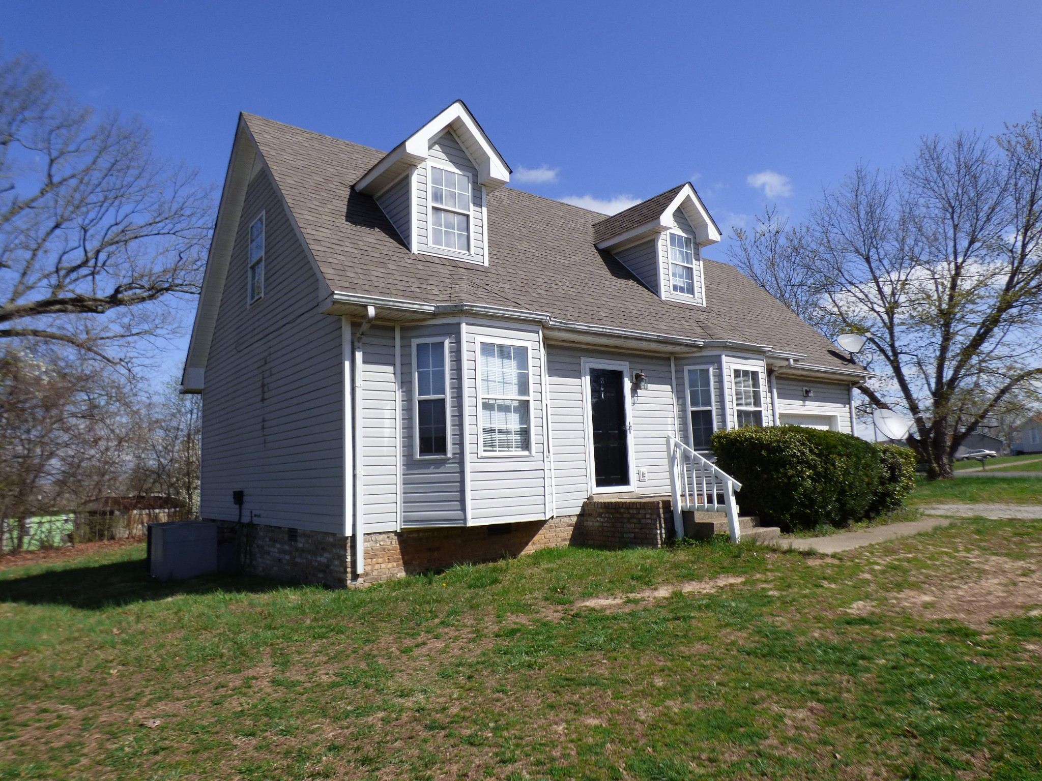 911 Van Buren Ave Property Photo - Oak Grove, KY real estate listing