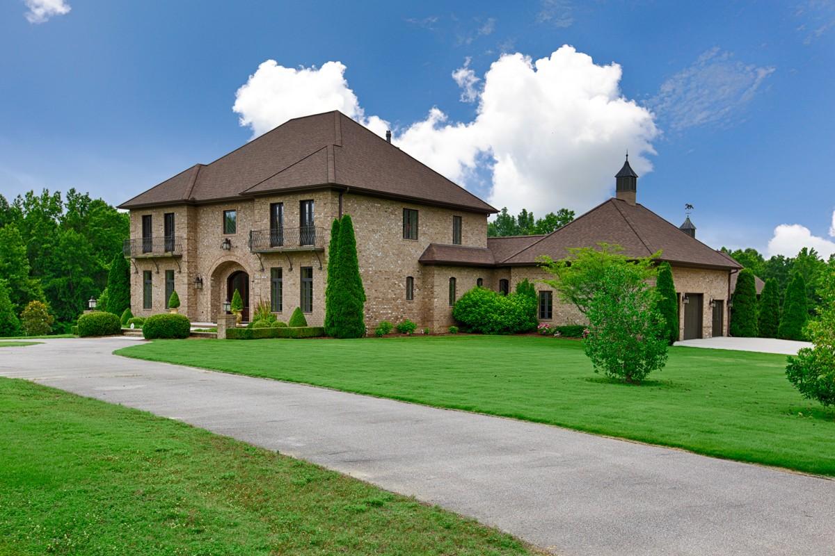 35614 Real Estate Listings Main Image