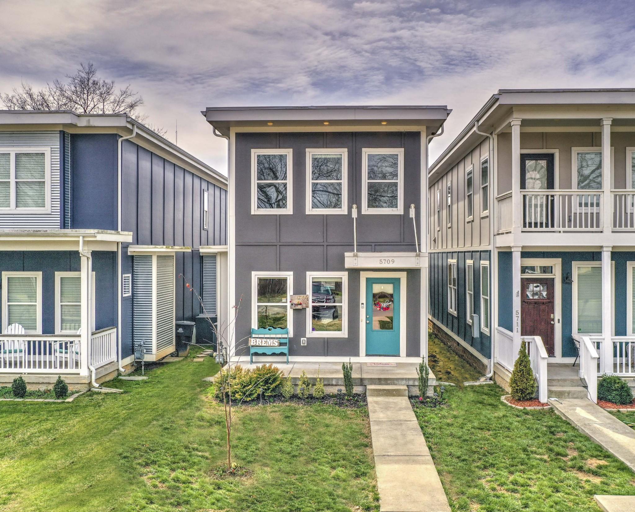 5711 Morrow Road Townhomes Real Estate Listings Main Image