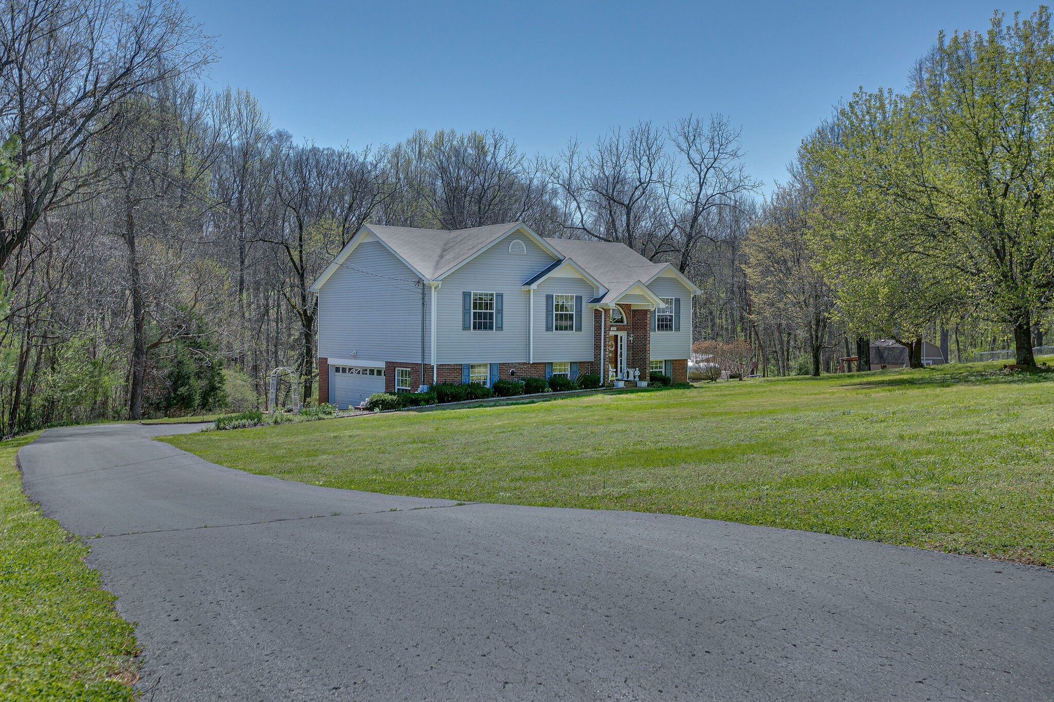 2031 Powell Dr Property Photo - Culleoka, TN real estate listing