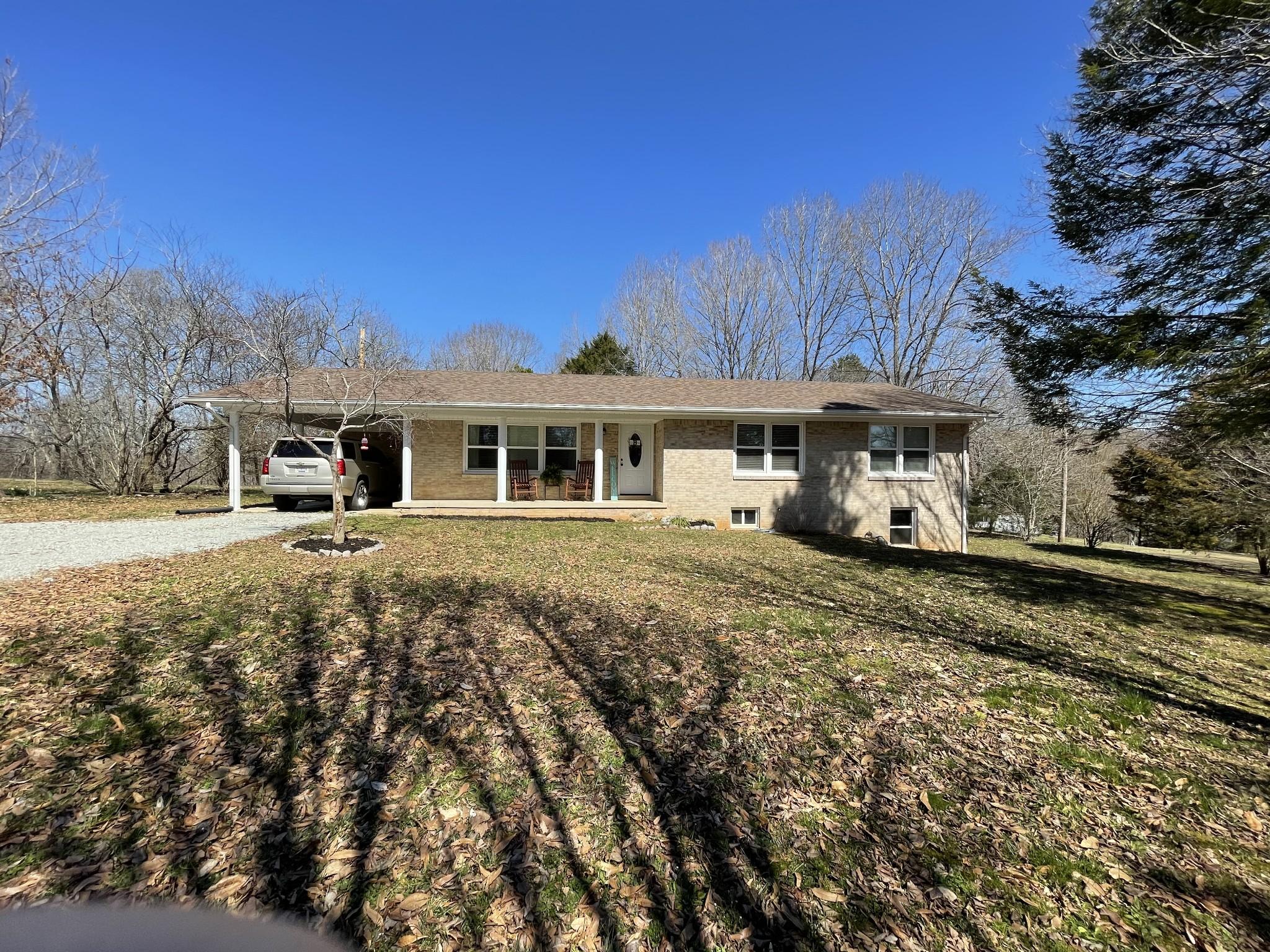 1608 Old Waynesboro Hwy Property Photo - Lawrenceburg, TN real estate listing