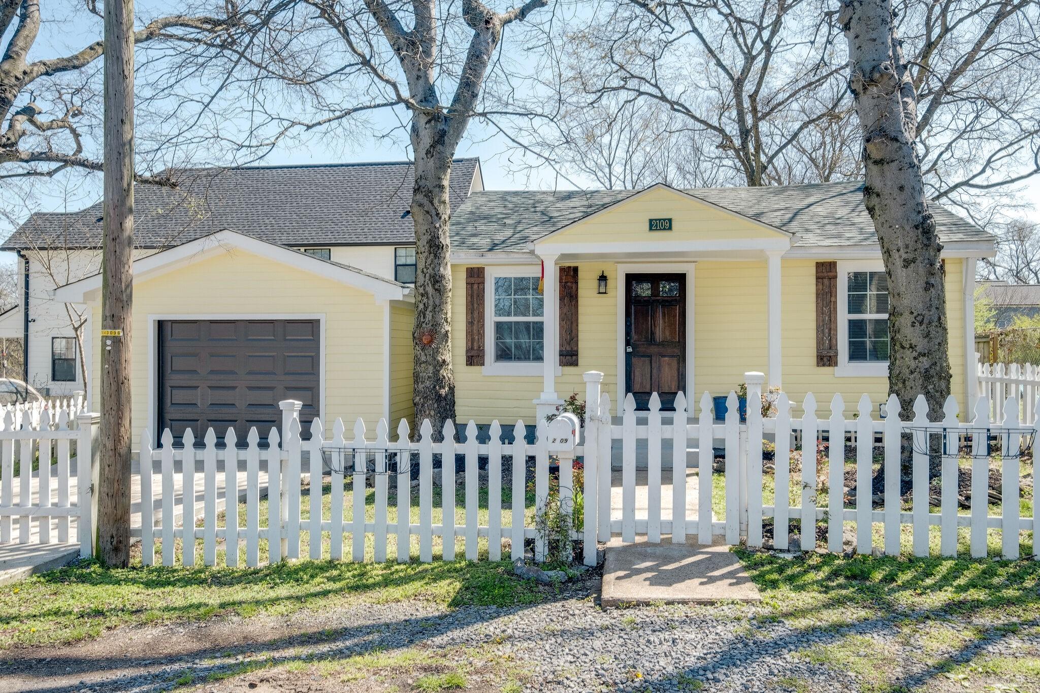 2109 Sultana Ave Property Photo
