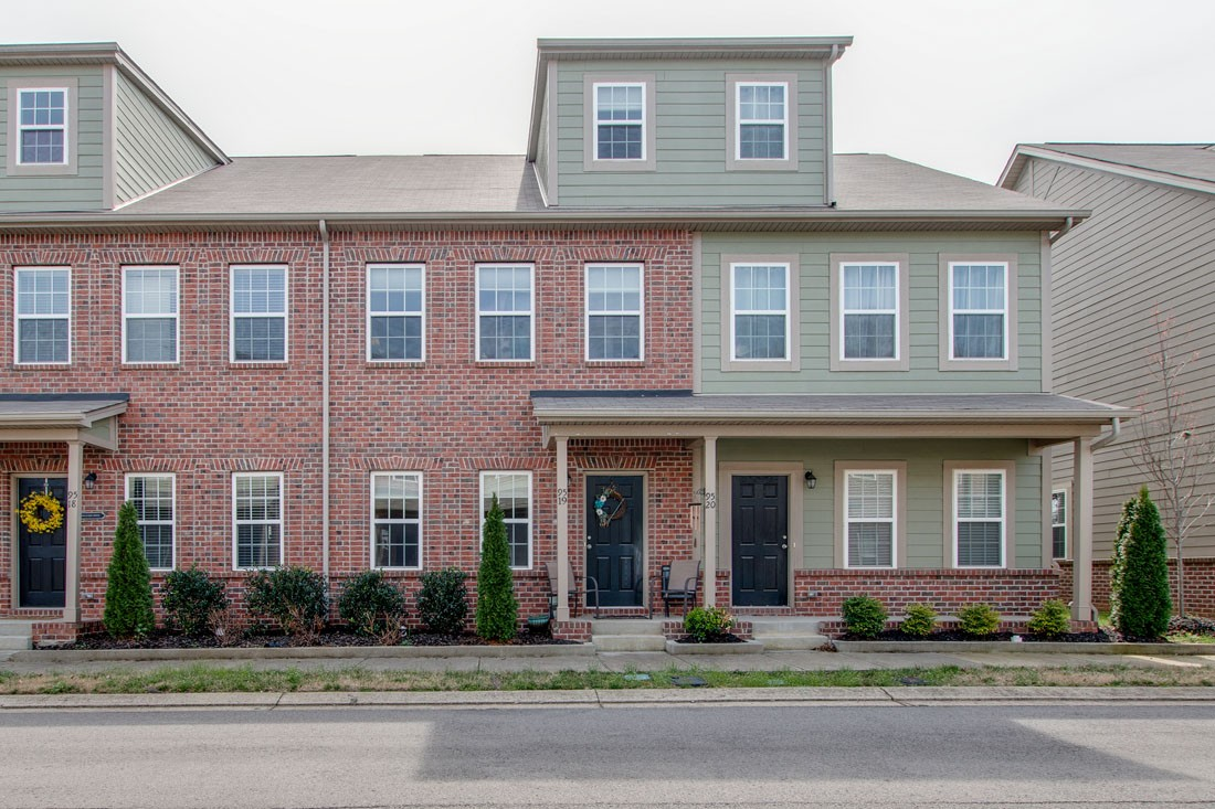 95 Plumlee Dr #19 Property Photo - Hendersonville, TN real estate listing