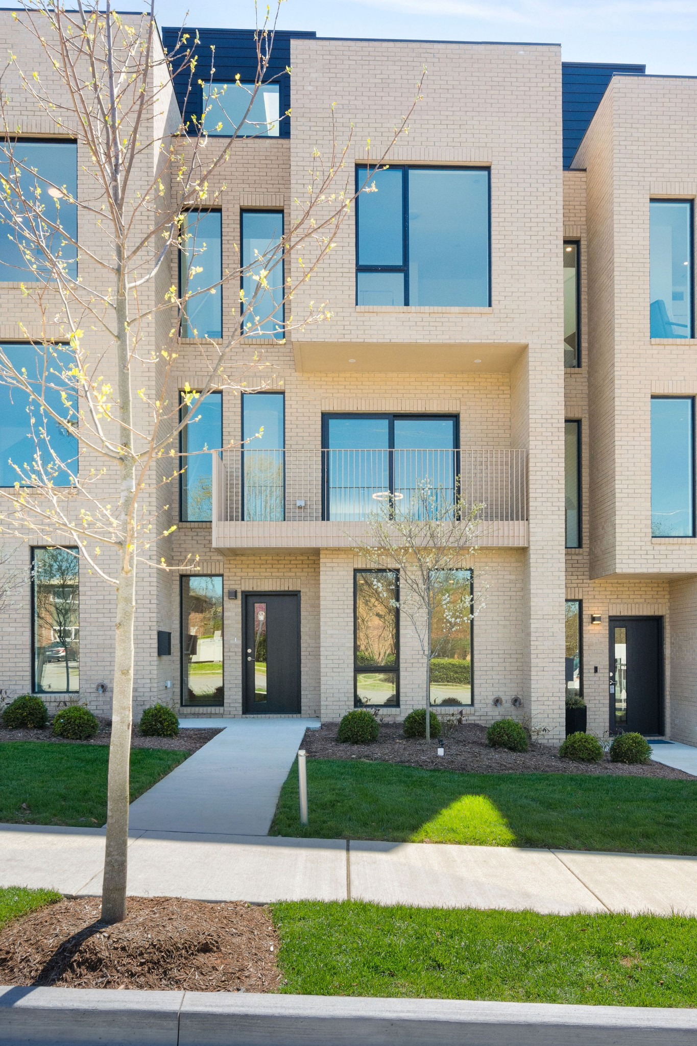 2031 Linden Ave Property Photo