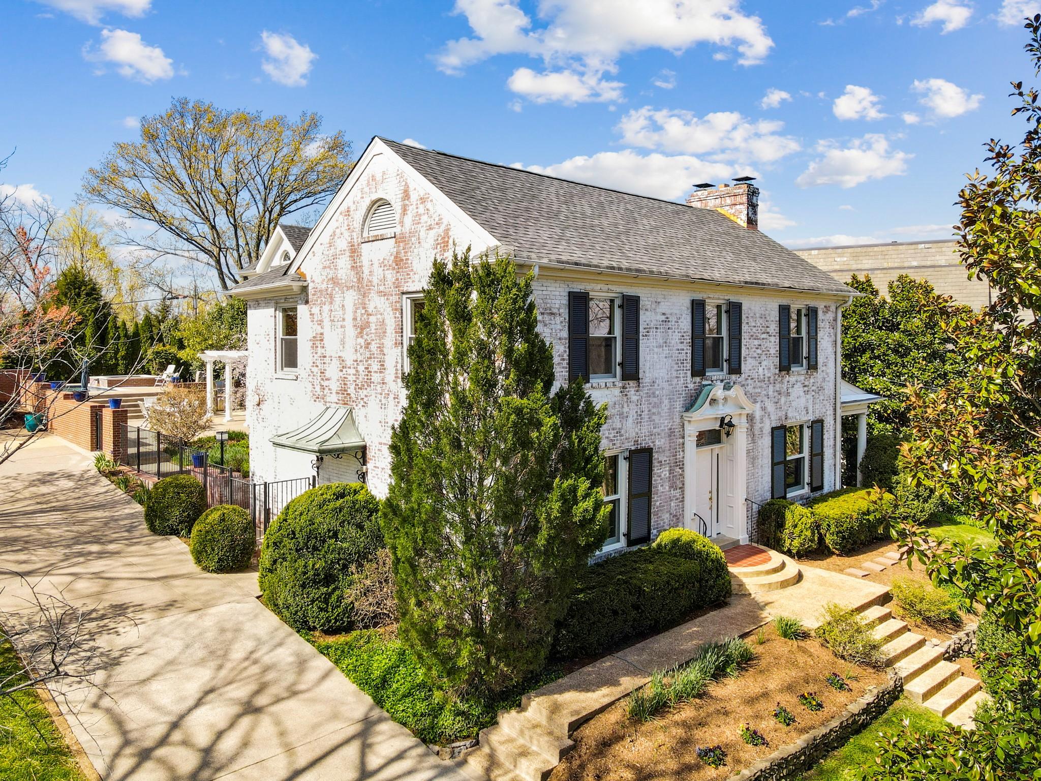 2814 Hillside Dr Property Photo - Nashville, TN real estate listing