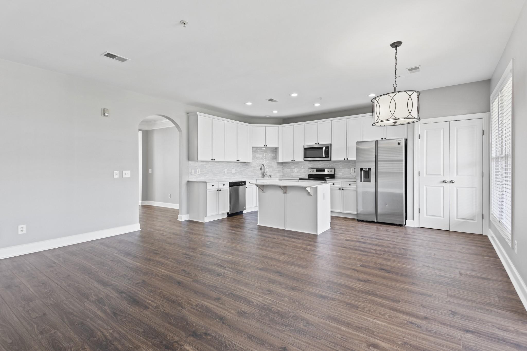 3200 Long Boulevard Townho Real Estate Listings Main Image
