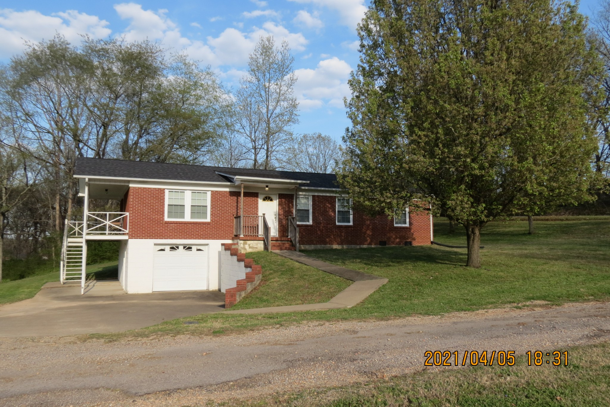 113 Mann St Property Photo - Cumberland City, TN real estate listing
