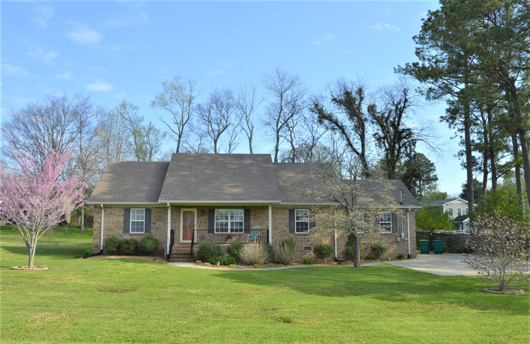 950 Galloway St Property Photo - Lewisburg, TN real estate listing