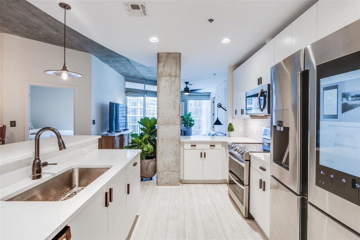 301 Demonbreun St #1510 Property Photo - Nashville, TN real estate listing