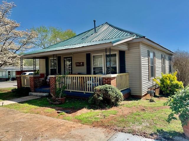 218 Cumberland St W Property Photo