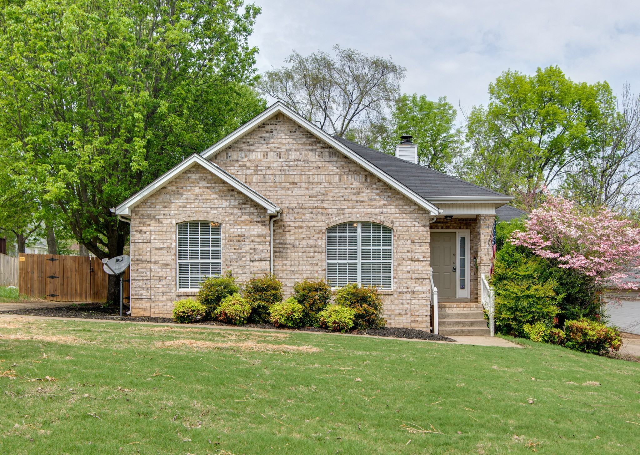 106 Cedar Bend Ct Property Photo - LA VERGNE, TN real estate listing